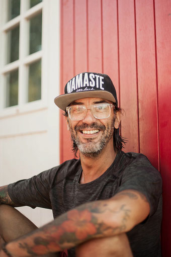 Yoga für Männer Mike wieder unterwegs in Deutschland