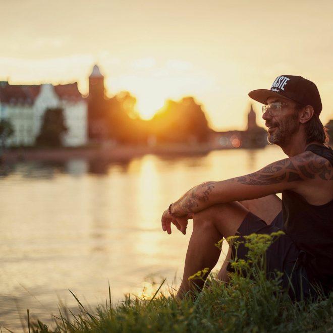 Yoga für Männer sowie für Alle in Düsseldorf mit verschiedenen Workshops und Masterclasses