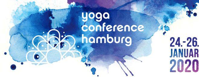 Mike auf der geilsten Yoga Meile Hamburgs. Sei dabei wenn der Spezialist für Männeryoga seine Leidenschaft für Yoga verbreitet.